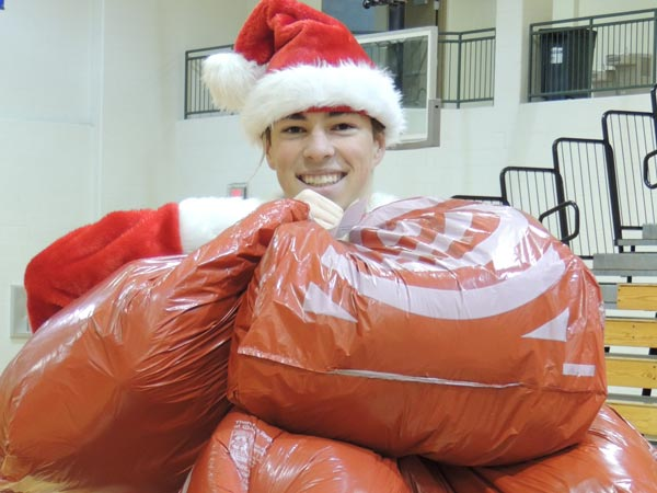 Students and Staff Sponsor Families for Christmas Featured Image.